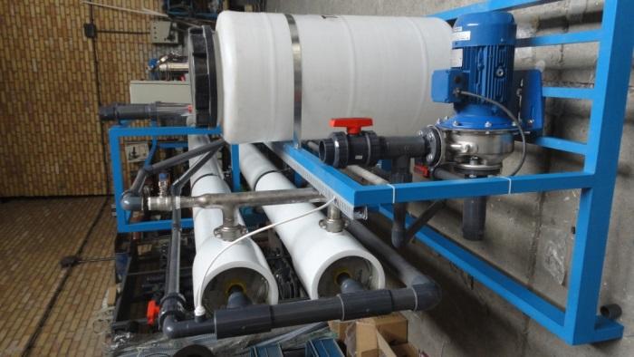 دستگاه تصفيه آب اسمز معكوس تصفیه آب صنعتی